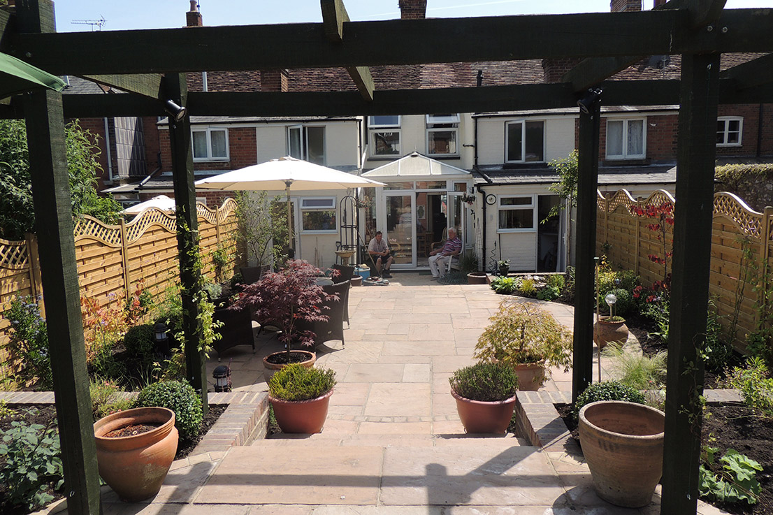 A Courtyard Garden in Central Winchester - Plot Garden Design